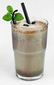 Eiweiß-Shake mit Buttermilch und Aloe Gel